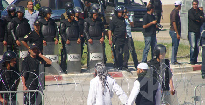 tunisie-manif-ambassade-usa-a01