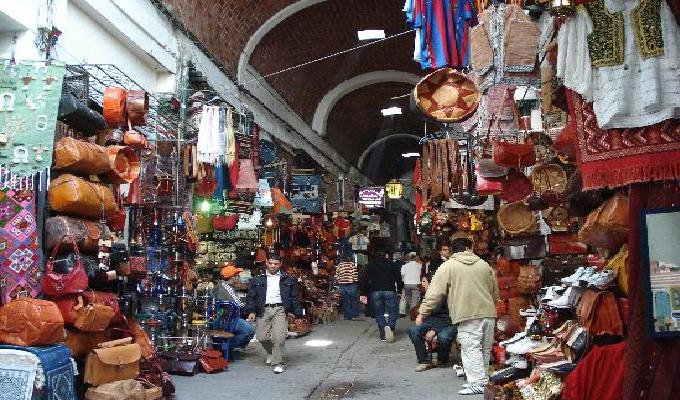 السوق المسقوف تونس العتيقة