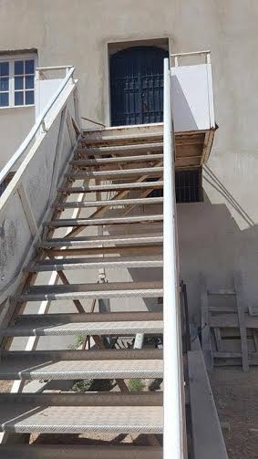que fait cet escalier de tuinisair handling dans cette maison directinfo. Black Bedroom Furniture Sets. Home Design Ideas