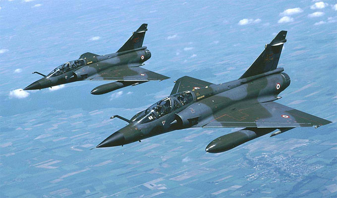 Un mirage 2000 intercepte un Boeing d'Air Algérie