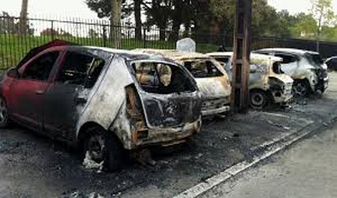 france plus de 1000 voitures incendi es et plus de 500 arrestations directinfo. Black Bedroom Furniture Sets. Home Design Ideas
