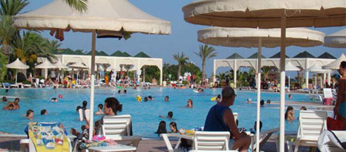 tourisme-touriste-680.jpg
