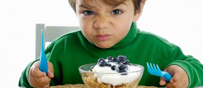 enfant-mange-consommation-inc-wmc.jpg